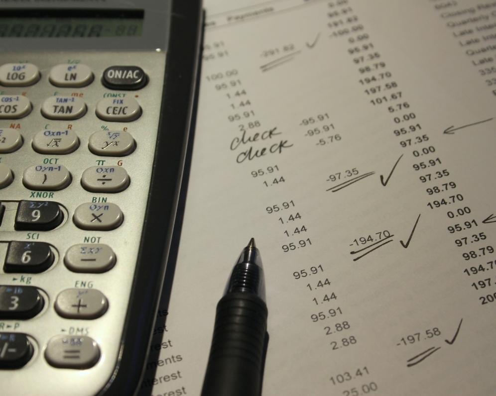 Bankové poplatky sa neustále zvyšujú. Takto na nich môžete ušetriť